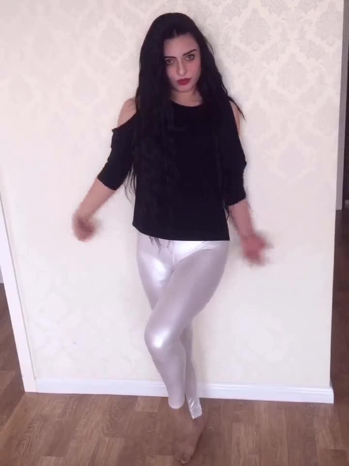 性感白色皮裤摇