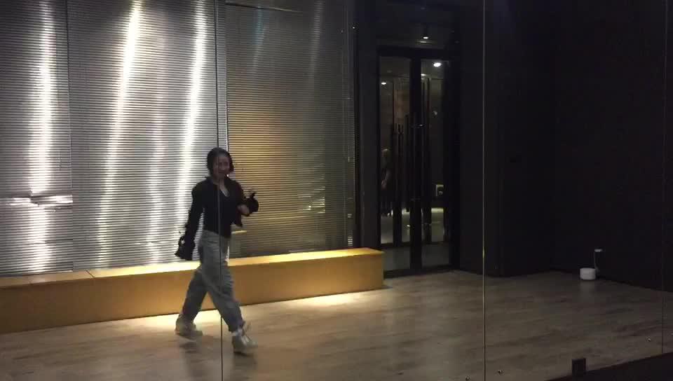 手机自拍舞蹈