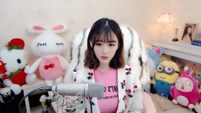 清新靓丽主播狸猫-《演员改版》