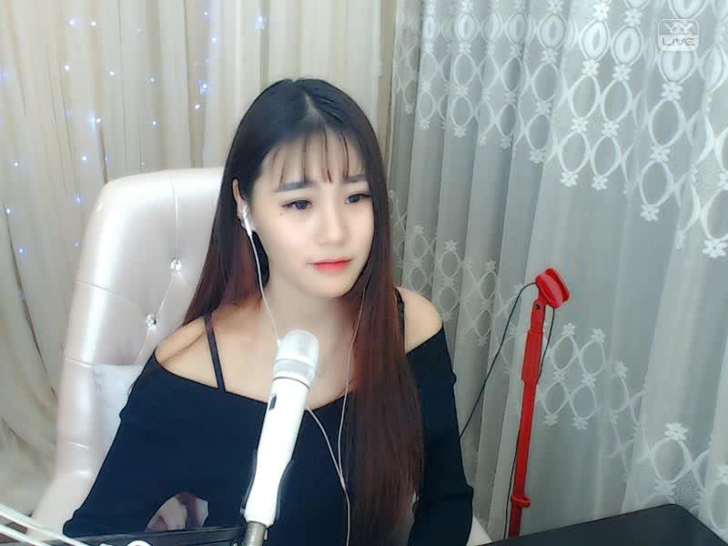 月牙湾 -                      婧涵涵                 2017.03.20