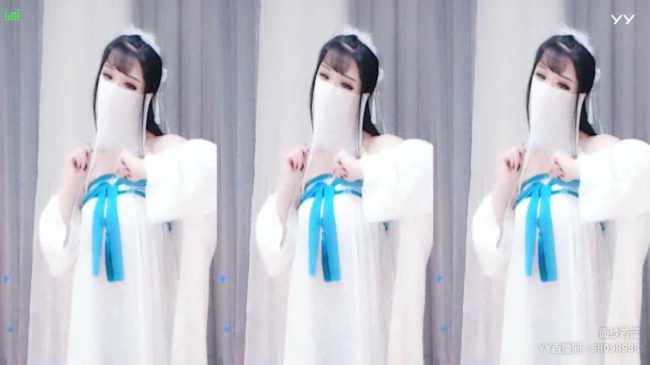 前面的蝴蝶结是亮点哈~若蓝