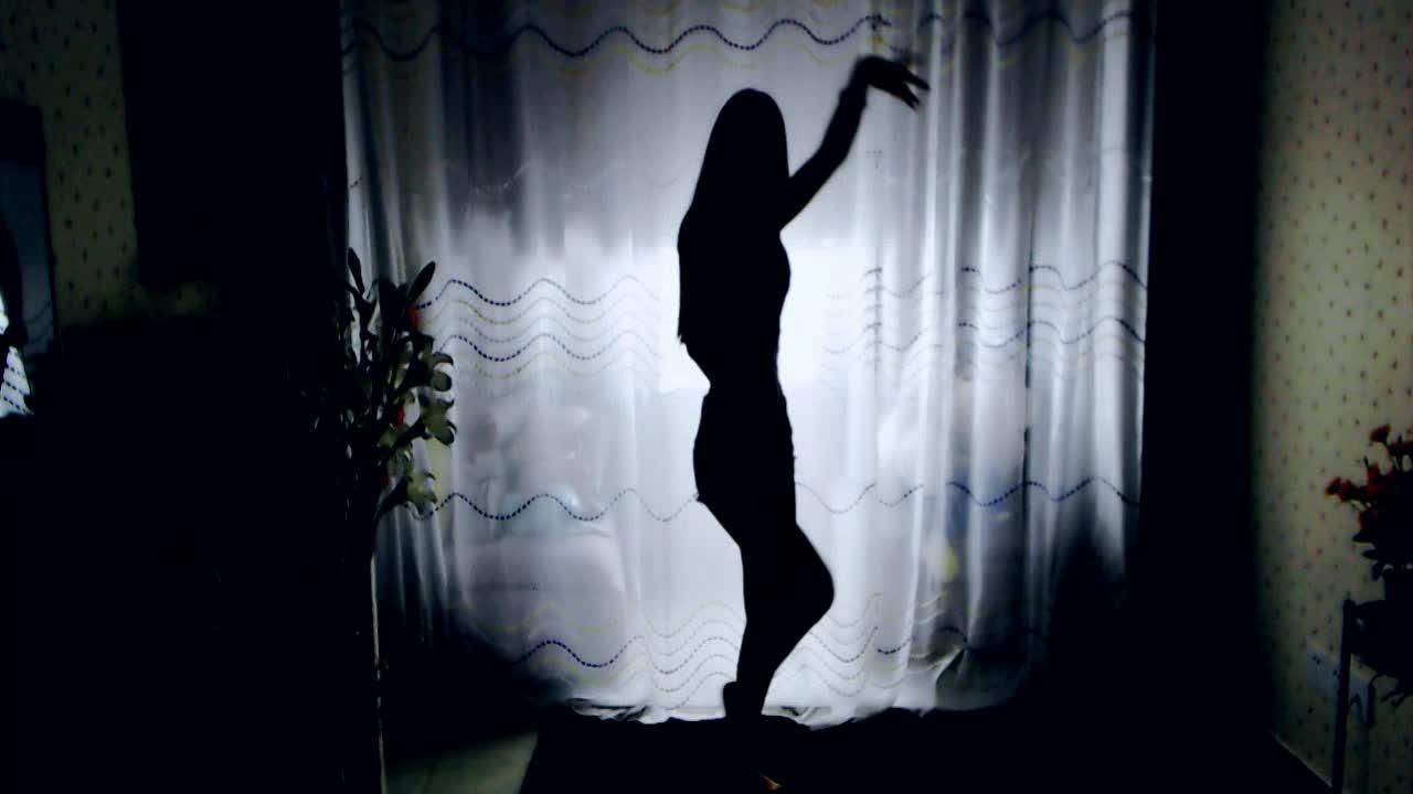 小魔女影子舞