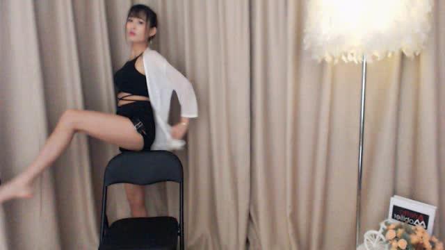 "TB秀中的""椅子舞"""
