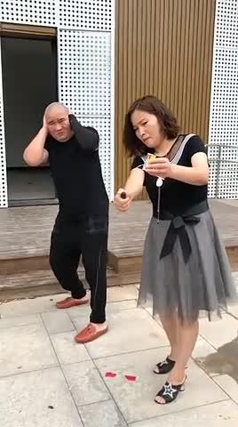 傻子放鞭炮真的是二傻子 -                     刘笑星                2017.09.27